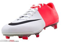 timeless design 206f5 965ce Nike Mercurial Superfly   SoccerPro.com