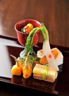 The art of food Asian Recipes, Gourmet Recipes, Cooking Recipes, Eating Raw, Recipes From Heaven, Food Design, Food Presentation, Food Plating, Food Preparation