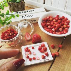 miniature strawberries #miniaturefood #miniaturefruit