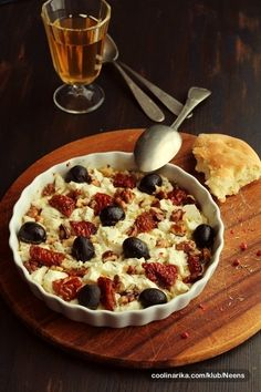 Tapas (sušena rajčica, feta, orasi) — Coolinarika