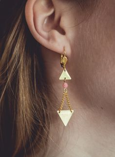 boucles d'oreilles triangles bijoux dorés par Cestbonpourcquetas