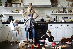 De ce calitatea de mama este mai mult decat o slujba permanenta