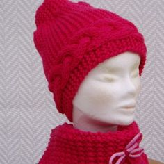 85b134b30f4 Ensemble bonnet +écharpe snood rose en laine