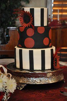 Red & Black Wedding Cake by Designer Cakes By April, via Flickr #Black #Wedding #Cake
