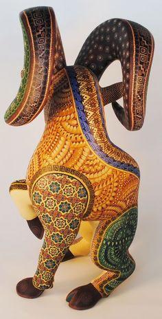 Paper Mache Crafts, Mexican Designs, Wood Carving Art, Indigenous Art, Mexican Folk Art, Wood Sculpture, Bead Art, Indian Art, Amazing Art