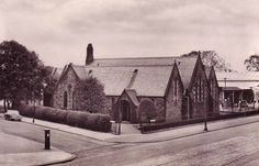 Cardonald Parish Church, Paisley Road West, Glasgow, in the Mom and Dad got married here Paisley Scotland, Glasgow Scotland, My Heritage, Present Day, Mom And Dad, Buildings, Past, City, World