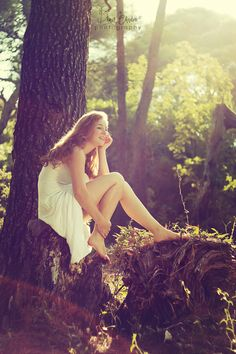 girl in the forest. stunning..