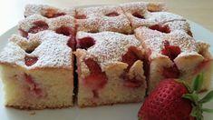 Jahodová bublanina, koláč Krispie Treats, Rice Krispies, Recipe Cards, Cheesecake, Sweets, Baking, Desserts, Food, Cakes