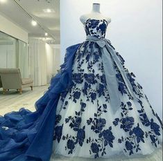 Rate this gown from By Puffy Dresses, Quince Dresses, Sweet 16 Dresses, Royal Dresses, Stunning Dresses, Beautiful Gowns, Pretty Dresses, Evening Dresses, Prom Dresses