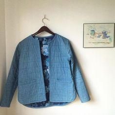 #SewPhotoHop Day 20: Seasonal - it's still pretty warm in MN, but soon it'll be time for my @grainlinestudio Tamarack jacket. I wish I'd made mine one size bigger so I could wear cozy sweaters underneath. I'm considering making another, or possibly the utility jacket @indie_sew is going to release next month. @houseofpinheiro @seamworkmag . #grainlinestudio #tamarackjacket #handmadewardrobe #imakeclothes…