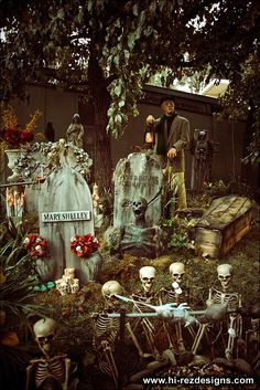 would love my front yard to look like this... http://www.halloweenforum.com/general-halloween/100066-our-2010-home-haunt-photos-cemetery-pirates.html