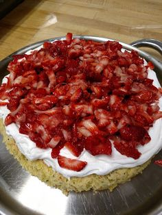Foodture: Cooking for a Healthy Future: Yellow Salad cake with strawberries