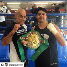 #Repost @ducacurvelo (@get_repost) ・・・ #tbt com o campeão mundial de boxe Miguel de oliveira! 🏆🏆🏆🥊 #boxe #boxing #boxederua #brasil