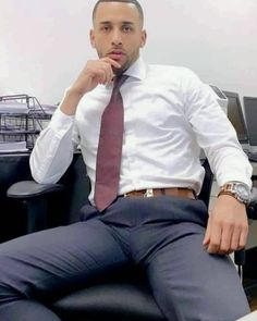 Mens Fashion Suits, Mens Suits, Swag Fashion, Muscle Bear Men, Men In Tight Pants, Costume Sexy, Moda Formal, Hunks Men, Stylish Mens Outfits