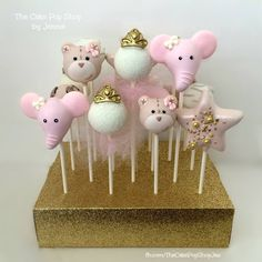 Adorable Cake Pops created by Jennie of The Cake Pop Shop in Jacksonville Florida. For more pics and to see her latest work follow at www.facebook.com/TheCakePopShopJax or on Instagram at The_CakePop_Shop