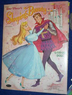 This is an 1959 paper doll published by Whitman of Walt Disney& SLEEPING BEAUTY. The dolls are all here in very good condition with just a couple light creases. The tri folder has some wear, a little sleeve tears but not bad. Walt Disney, Disney Films, Disney Love, Disney Magic, Disney Pixar, Vintage Disney Posters, Vintage Cartoon, Disney Movie Posters, Foto Poster