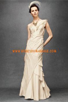 BHLDN robe de mariée glamour asymétrique champagne ornée de pli satin
