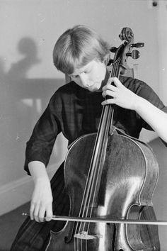 Jacqueline du pre cello