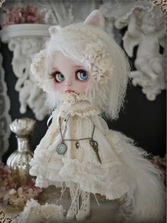 "dollsociety: "" White cat - custom blythe by Milk Tea """