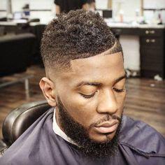coiffure homme noir degrade cheveux boucles frohawk by gabriellegpilot Black Man Haircut Fade, Black Haircut Styles, Black Hair Cuts, Black Boys Haircuts, Cool Mens Haircuts, Black Men Hairstyles, Stylish Haircuts, Fade Haircut, Man Haircuts