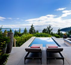 West Vancouver Residence in British Columbia, Canada, is a luxury home with a beautiful interior and breathtaking views over the ocean. Amazing Swimming Pools, Swimming Pool Designs, Outdoor Swimming Pool, Backyard Pools, Infinity Pools, Infinity Edge Pool, Indoor Outdoor, Outdoor Decor, Outdoor Living