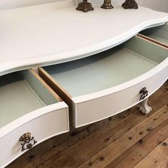Lilyfield Life: A few chalk painted vintage dressing tables Vintage Dressing Tables, Dressing Table With Stool, Recycled Plastic Adirondack Chairs, Home Depot Adirondack Chairs, Vintage Furniture For Sale, Small Grey Bedroom, Dark Wax, Chairs For Sale, Slipcovers