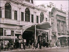 entre el Teatro Imperio y el Teatro Victoria se ubico la confiteria Forno de Valparaiso by santiagonostalgico, via Flickr