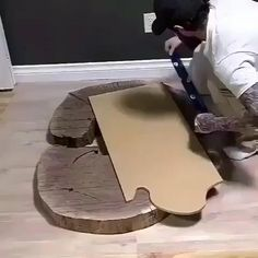 Diy Resin Table, Epoxy Wood Table, Epoxy Resin Wood, Diy Resin Art, Diy Resin Crafts, Wood Crafts, Woodworking With Resin, Cool Woodworking Projects, Diy Resin Projects