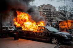 Washington DC - A limousine goes up in flames druing the inauguration protests. [1200x800]  Natalie Keyssar