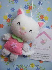 Cutest Kitty felt ornament.  Would make a good Christmas Tree decoration too.
