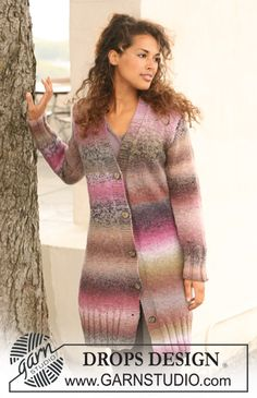 """Knitted DROPS fitted, long jacket in 2 strands """"Delight"""". Size S to XXXL. ~ DROPS Design"""