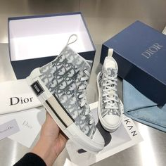 Dr Shoes, Swag Shoes, Hype Shoes, Me Too Shoes, Louis Vuitton Shoes Sneakers, Dior Sneakers, Sneakers Fashion, Fashion Shoes, Cristian Dior
