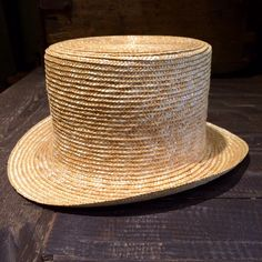 cappello cilindro, tuba in 100% paglia di Teepeehatters su Etsy https://www.etsy.com/it/listing/238430033/cappello-cilindro-tuba-in-100-paglia