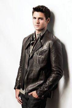 Steven R. McQueen.I just loved him in the vampire diaries.Please check out my website thanks. www.photopix.co.nz