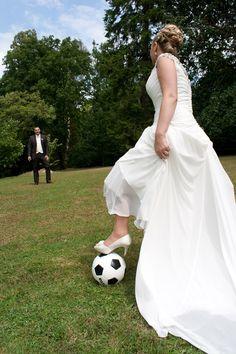 Isa & Ronny #Menden #Fußball #Fussball #wedding #weddingphotography #Hochzeit #Hochzeitsfotografie #Hochzeitsreportage #Hochzeitsshooting #Shooting #Canon #TraumfotosTrautmann #Braut #Bräutigam #Brautpaar