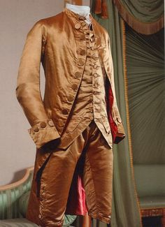 Wow. Just... wow. I think I need John to wear this. 1780-85 gold silk coat and breeches