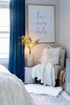 Cozy reading corner with lights small corner decor, cozy bedroom, bedroom couch, bedroom Bedroom Reading Nooks, Bedroom Couch, Bedroom Nook, Bedroom Corner, Home Decor Bedroom, Master Bedroom, Modern Bedroom, Bedroom Ideas, Contemporary Bedroom