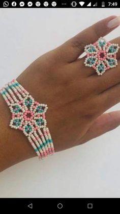 Native Beading Patterns, Beadwork Designs, Native Beadwork, Beaded Shoes, Beaded Rings, Beaded Bracelets, Seed Bead Jewelry, Bead Jewellery, Beaded Jewelry