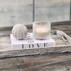 Bougie crépitante pour un instant zen Pots, A Typical, Driftwood, Scotland, Wicked, Candle Holders, Place Card Holders, Candles, Island