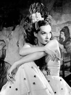 Lupe Velez flamenco, latin beauti, hollywood glam, vintag latina, lupe velez, lupe vélez, illuminos, flower, actresses