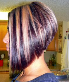These 14 Blunt Cut Bob Haircuts Are Trending in 2019 - Style My Hairs Graduated Bob Haircuts, Inverted Bob Hairstyles, Blonde Bob Hairstyles, Short Bob Haircuts, Cool Hairstyles, Short Hair Cuts, Short Hair Styles, Edgy Hair, My Hairstyle