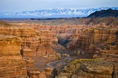 How to visit Charyn Canyon near Almaty, and the 4 other canyons close by, for those with a slow travel, enjoyer philosophy.