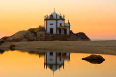 da Pedra, Miramar - Portugal - a church on the beach. Wonderful Places, Great Places, Beautiful Places, Places To Visit, Portugal Holidays, Europe Holidays, Places Around The World, Around The Worlds, Sea Activities