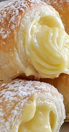 Italian Cream Stuffed Cannoncini (Puff Pastry Horns) Crispy and buttery puff pastry cannoncini (horns) filled with velvety and rich custard cream I want to start the new year with something special. Something Italian. Something that I simply looove… Healthy Dessert Recipes, Fun Desserts, Baking Recipes, Delicious Desserts, Yummy Food, Dinner Recipes, Cake Filling Recipes, Food Deserts, Easy To Make Desserts
