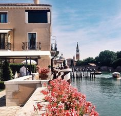 Make your fabulous entrance at Belmond Hotel Cipriani by a beautiful ride in our Shirley boat! Photo by imogenroy