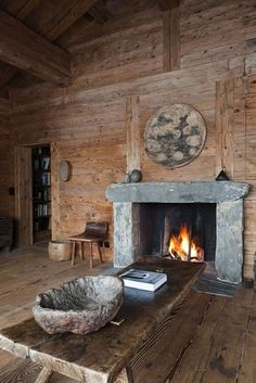Axel Vervoordt's chalet in Verbier, Switzerland Wabi Sabi, Chalet Style, Ski Chalet, Alpine Chalet, Fireplace Design, Simple Fireplace, Country Fireplace, Rustic Fireplaces, Fireplace Mantle