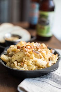 Topped with pretzel bread, this unique mac and cheese is comfort food at its finest with an IPA and tangy mustard to help the cheeses go gourmet.