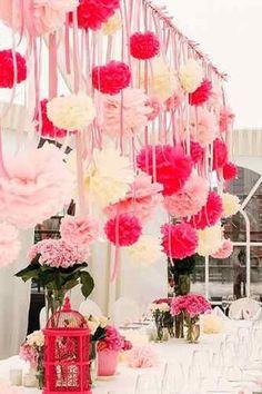 Pompons ophangen met lint