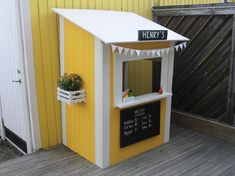 Gardening for Kids Outdoor Forts, Outdoor Play, Outdoor Spaces, Outdoor Decor, Casas Club, Kids Barn, Diy Playground, Kiosk Design, Furniture Stores Nyc