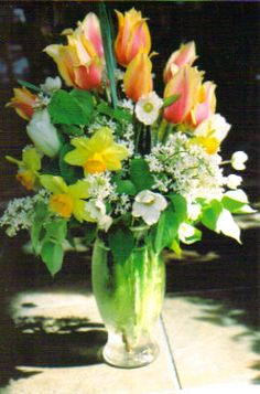 I love to fill my home with fresh floral arrangements!
